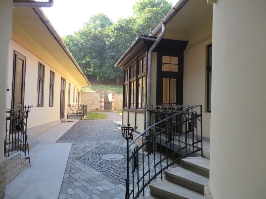 Vila interbelica si curte pt BIROURI 332 mp Centru Motilor Clinicilor