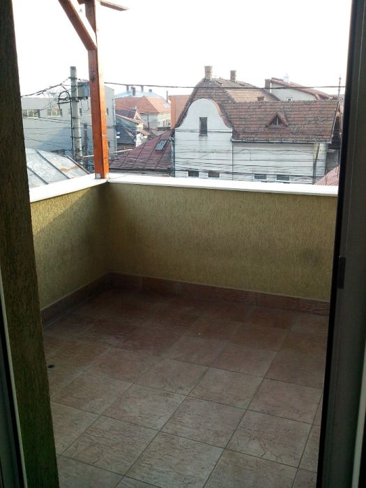 De ichiriat spatiu de birou sau apartament Str Traian nr 41