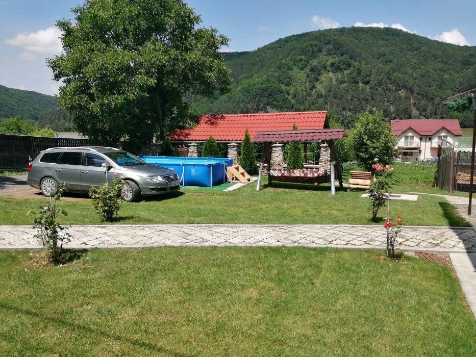 Cabana cu piscină de inchiriat la Someșul Cald