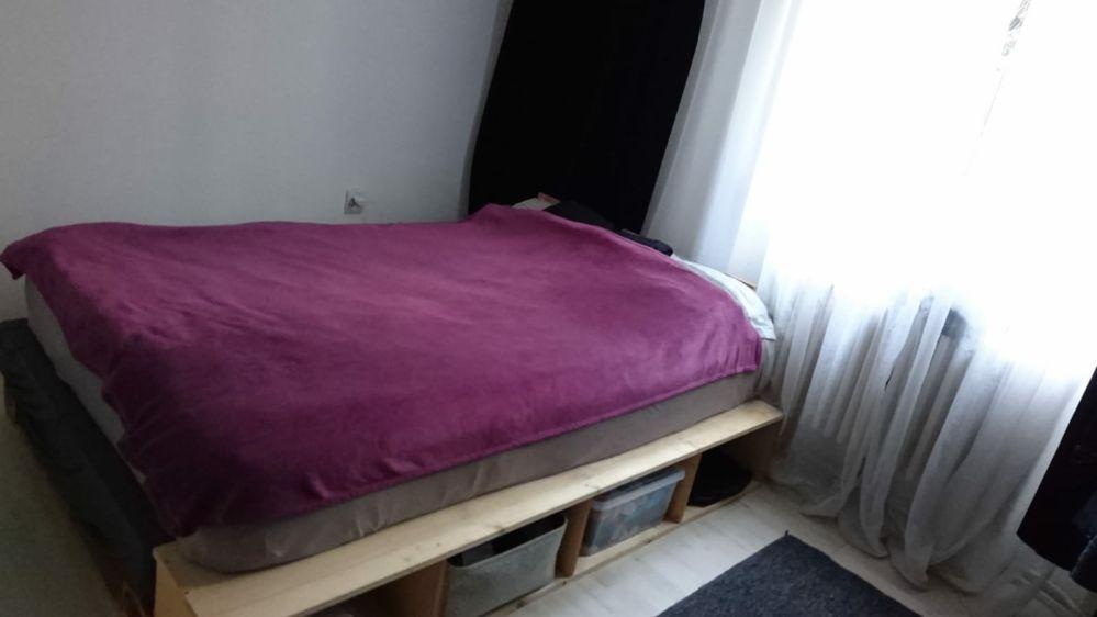 Inchiriez apartament cu 3 camere ,zona Plopilor,langa Sala Sporturilor