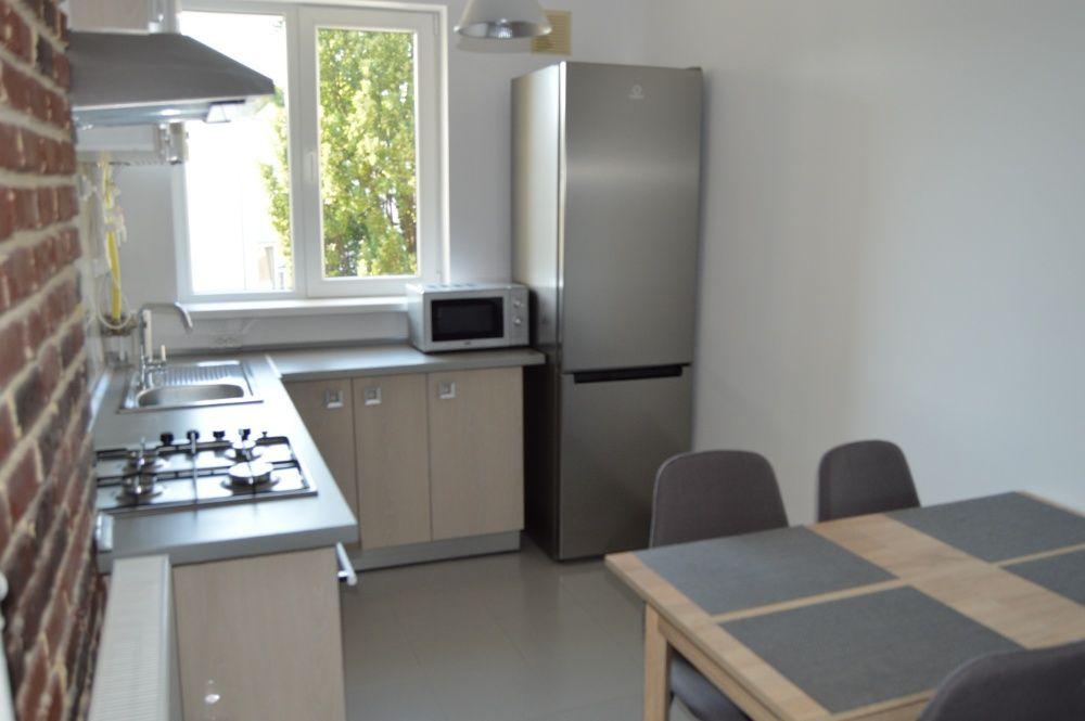 Inchiriez apartament cu 3 camere in zona Pta Mihai Vitezul