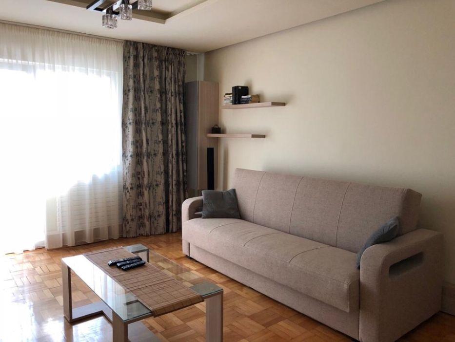 Apartament cu 3 camere decomandat de inchiriat