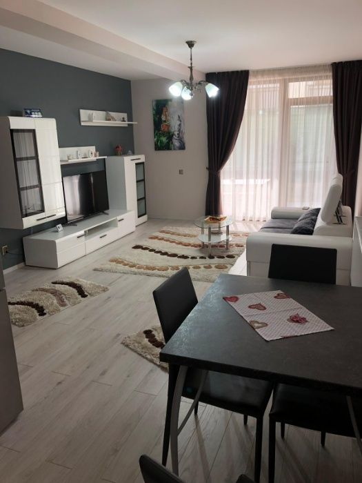 In chirie apart. 4 camere