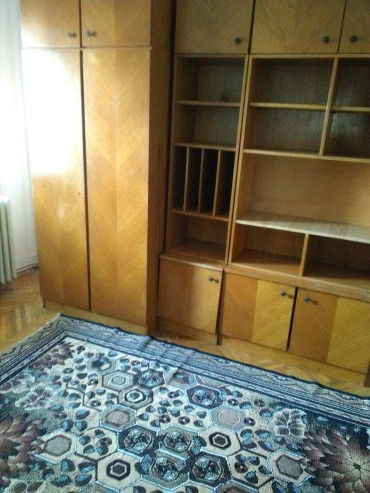 Închiriez apartament 4 camere