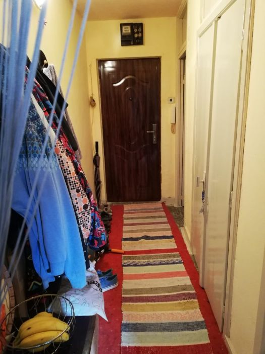 Vand apartment 1 camera+boxa demisol,zona Stadion -Olimpia