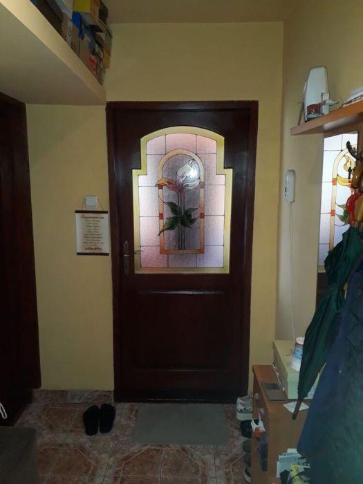 "Vand apartament 3 camere , etajul 4 ,, piata dacia "" - Str.Stelelor"