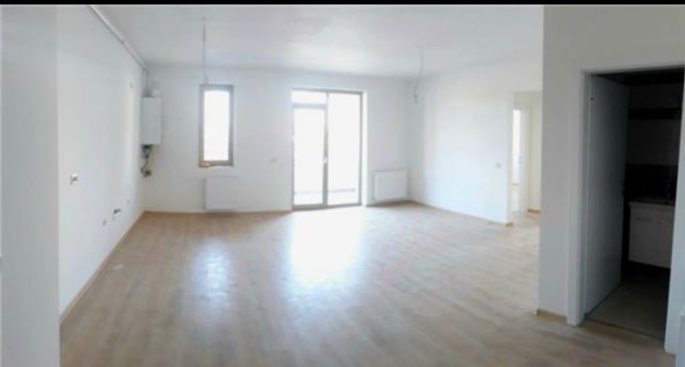 Apartament cu 3 camere, ocupabil imediat. Direct proprietar!