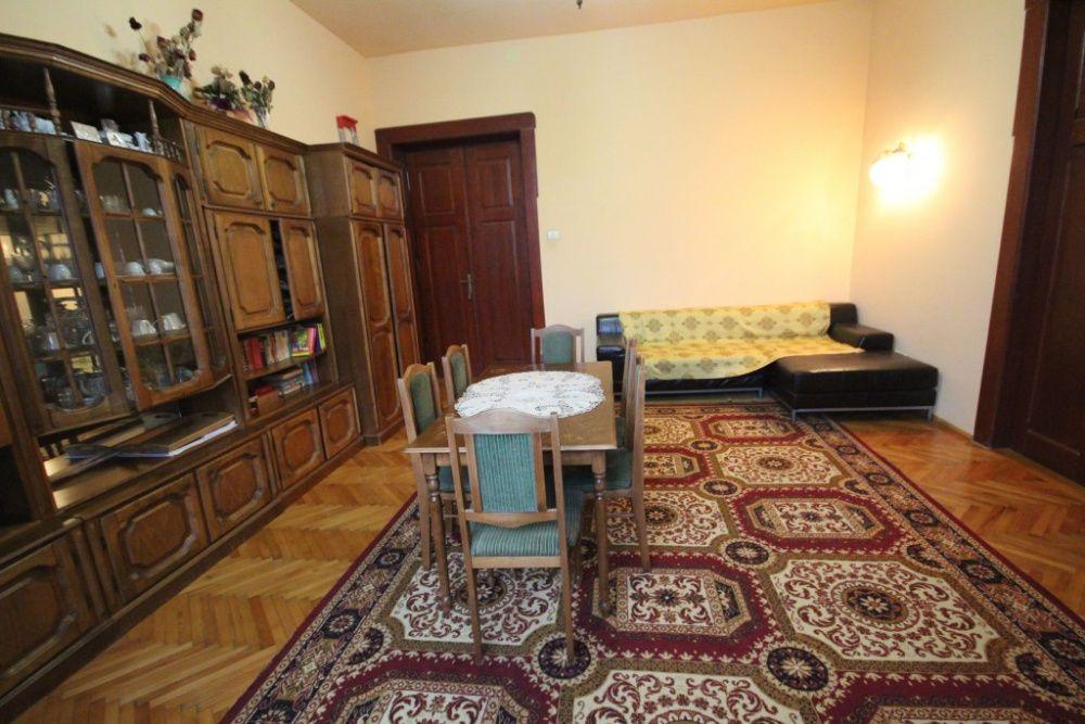 Proprietar vand apartament in cladire istorica semicentral 5 camere