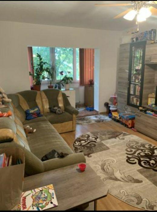 Proprietar vând apartament 4 camere
