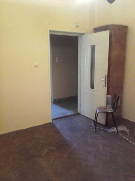 Inchiriez casa in zona Balcescu (Str.Odobescu colt cu Rusu Sirianu)