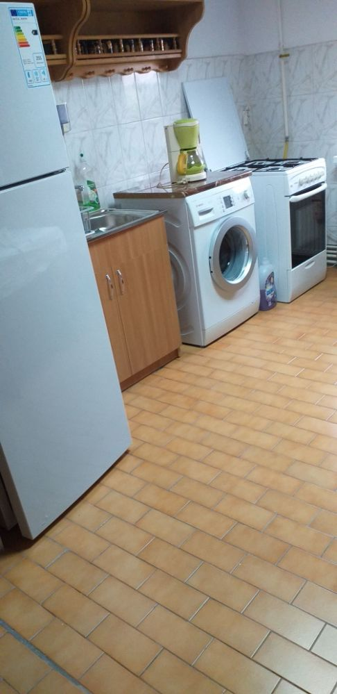 Proprietar, inchiriez apartament 2 camere in zona Dambovita - Lidl