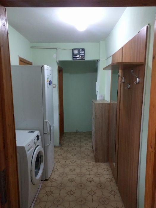 Proprietar inchiriez apartament 2 camere zona Cetatii