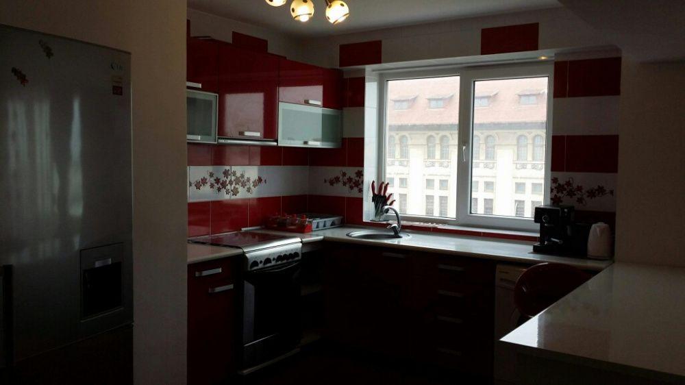 Vând apartament Piața Ovidiu