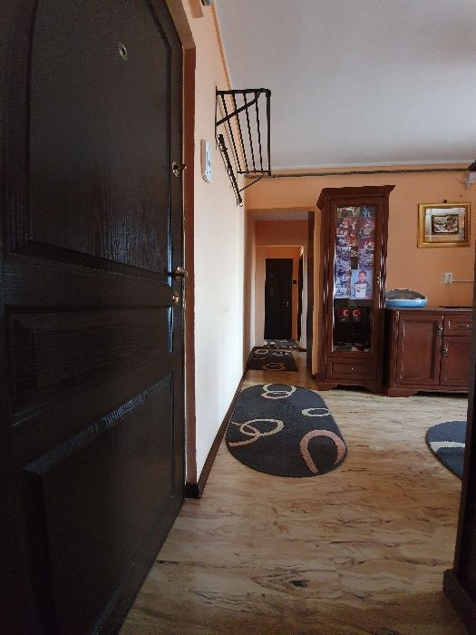 De vânzare apartament 3 camere, gaze, decomandat, zona CET
