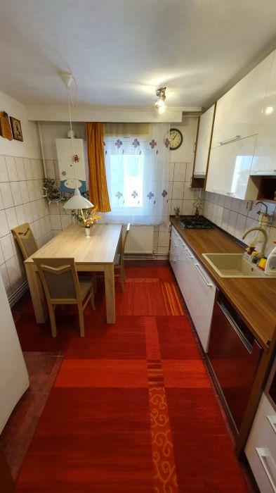 Faleza Nord Apartament 4 camere + garaj proprietate, vedere la mare