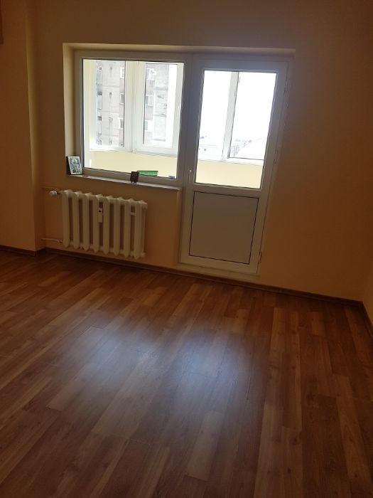 Particular vand apartament 4 camere poarta 6