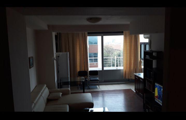 Vand apartament, casa cu 5 camere.