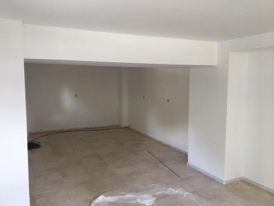 Vand Apartament/Spatiu comercial Str Eliberarii colt cu Dezrobirii