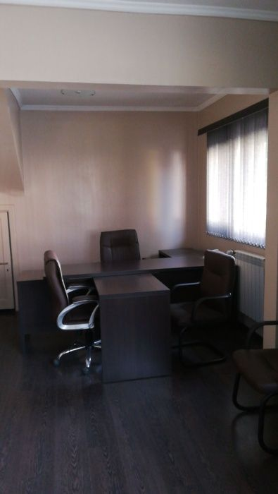 Parter in Vila P+1+M,ideal spatiu birouri,cabinete,etc.