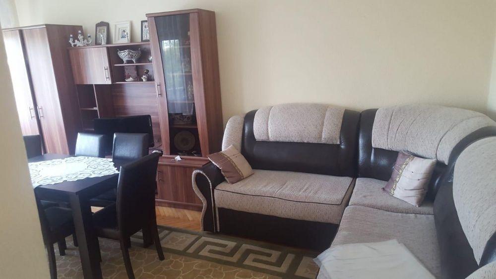 Vand apartament cu 2 camere decomandat