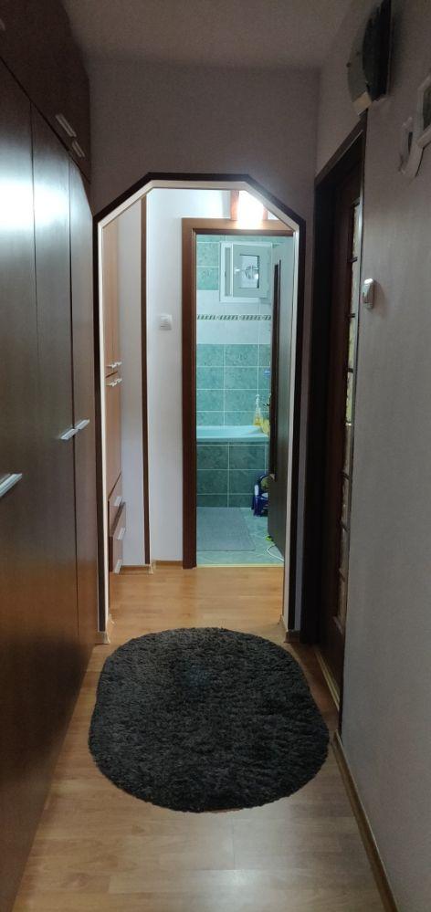 Propriatar. Apartament 3 camere dec Petru Poni langa Copou