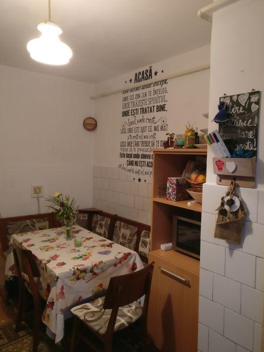 Apartament cu 4 camere la pret de 3
