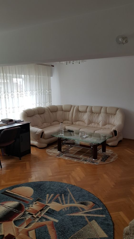 Apartament 4 camere complet mobilat - recompartimentat Zona Frumoasa