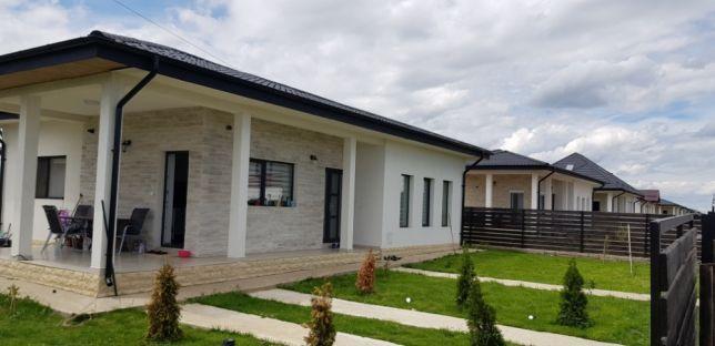 Casa Individuala 3 camere la strada principala ASFALTATA Valea Ursului