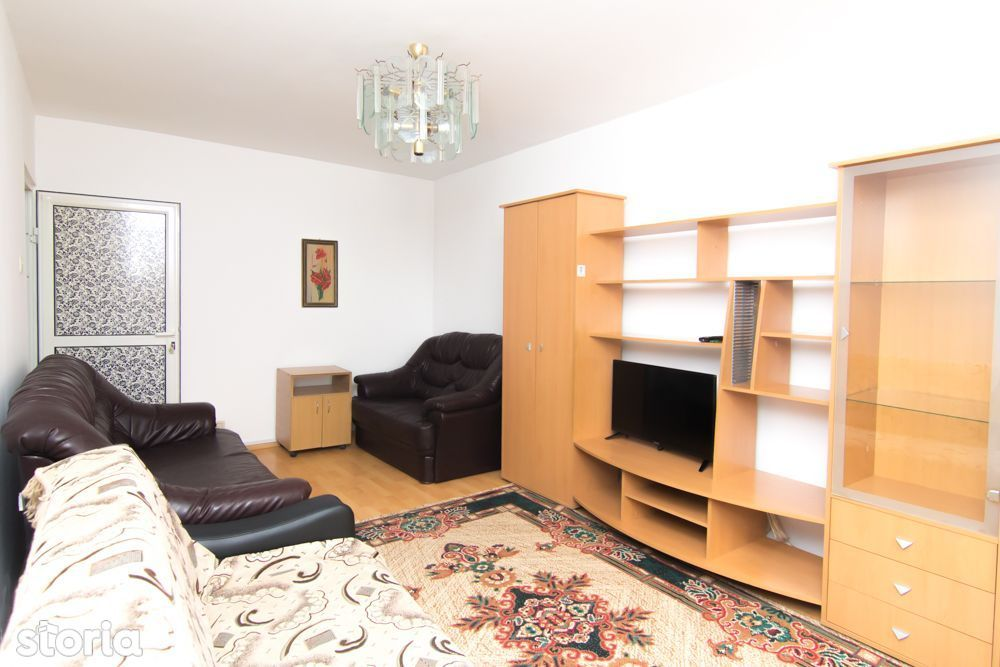 Apartament 3 camere, Podu de Fier