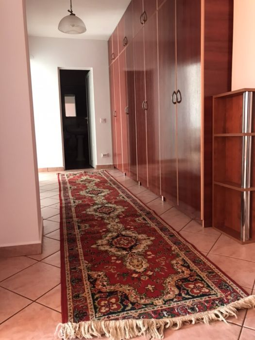 Persoana fizica-ap.3 camere , Str. Arcu, aproape de Piața Unirii
