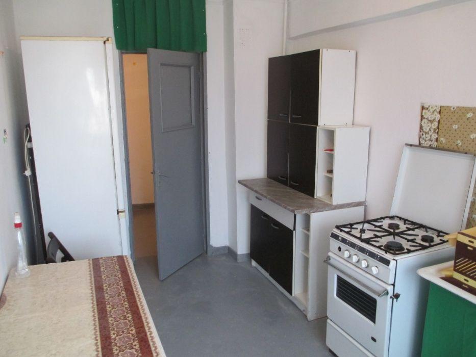 Inchiriez apartament decomadat - 4 camere mobilate