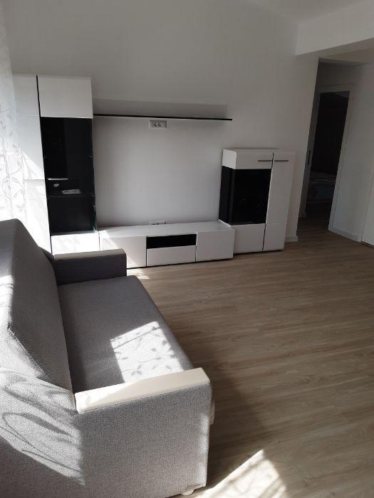 Închiriez apartament in casa stil duplex!