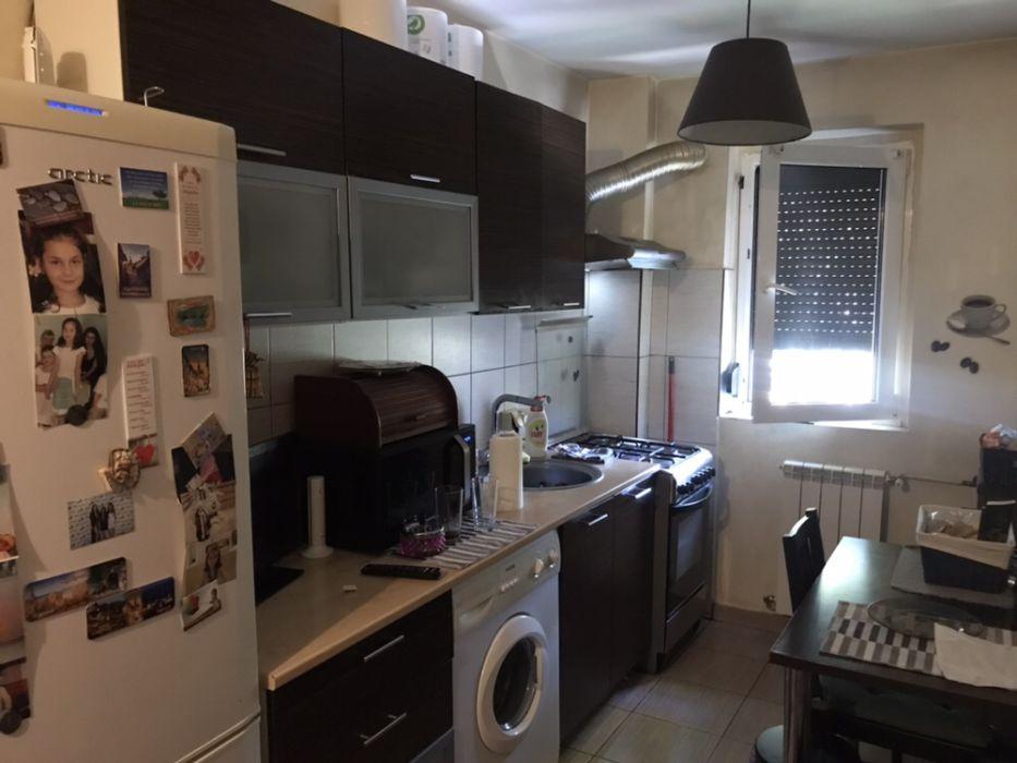 Vand apartament doua camere complet mobilat si utilat