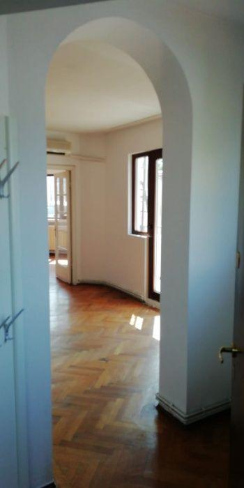 Inchiriez apartament 2 camere suprafata mare Piata Victoriei