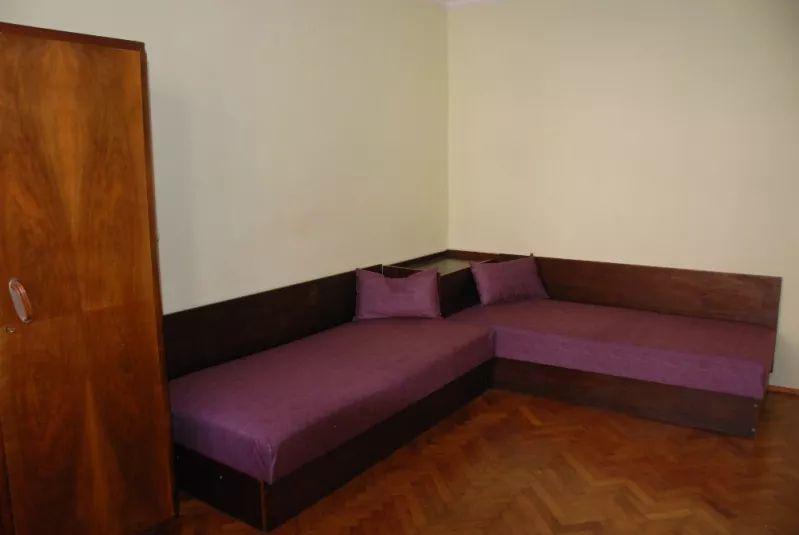 Inchiriez apartament cu 4 camere in zona Calea Calarasilor