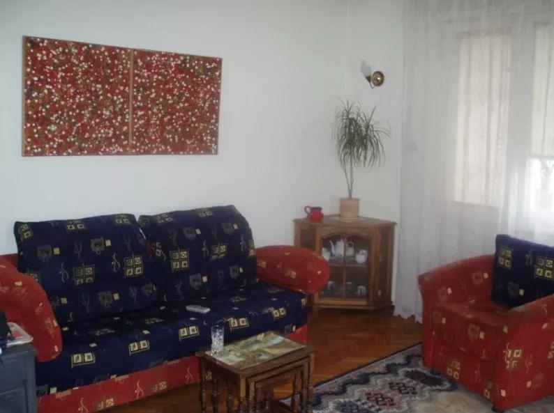 Inchiriez apartament cu 4 camere,Lujerului