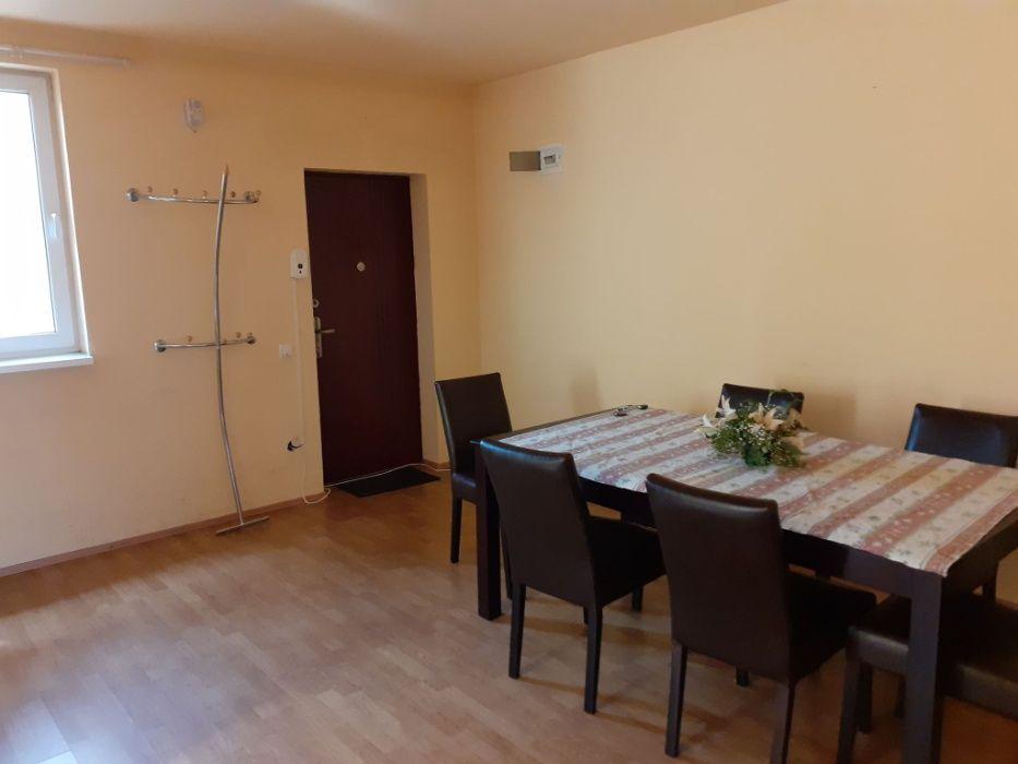 Vând apartament 3 camere în Florești
