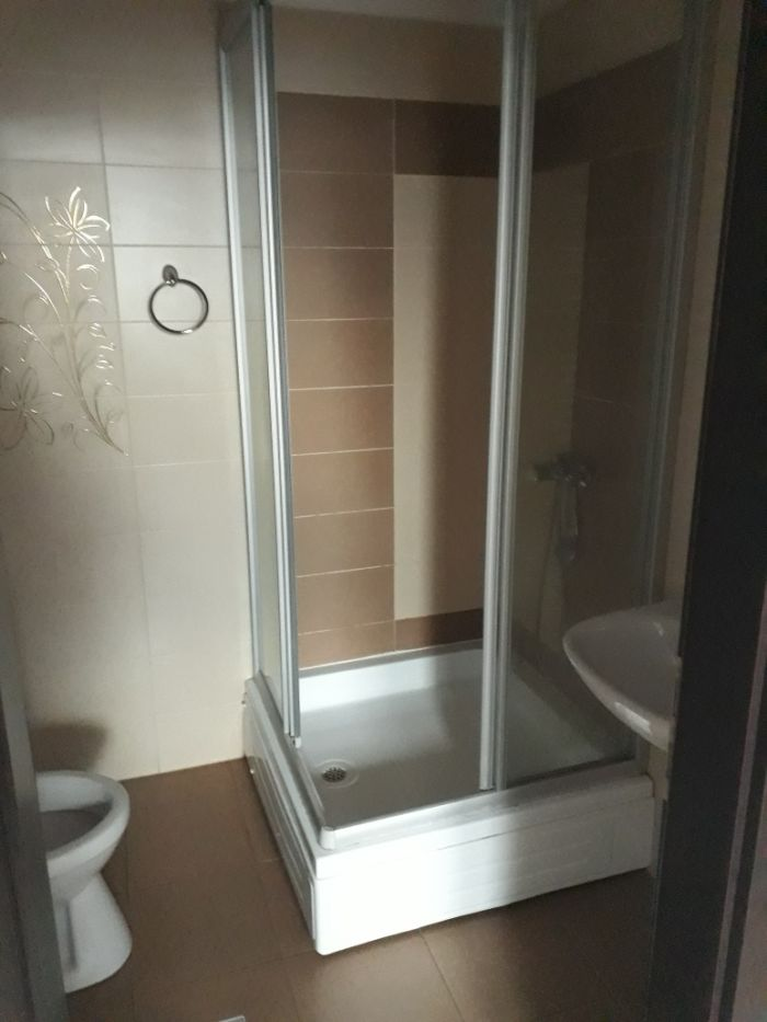 Vand apartament la mansarda 100 mp, in cartier Buna Ziua