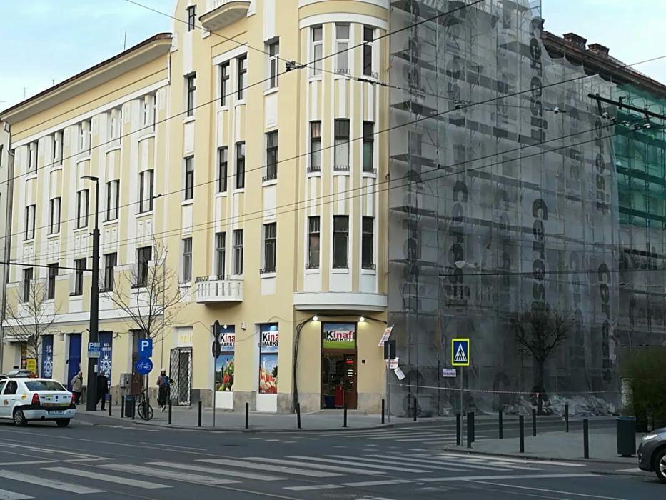 Persoana fizica vand apartament central,3 camere 93 mp strada Horea