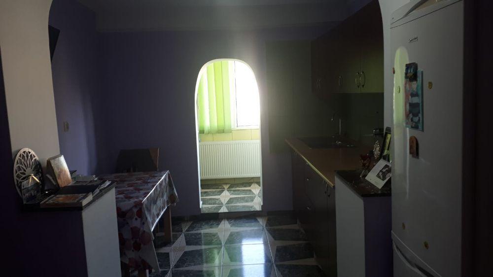 Colentina rau, ap 3 camere renovat 2019