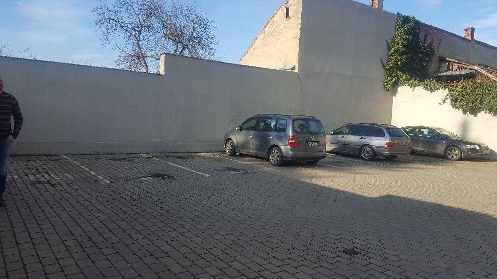 Apartament/Birou 200 mp in zona centrala cu parcari incluse