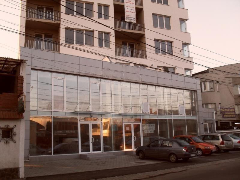 Spatiu comercial 200 mp in zona centrala inchiriat cu 2.000 euro/luna